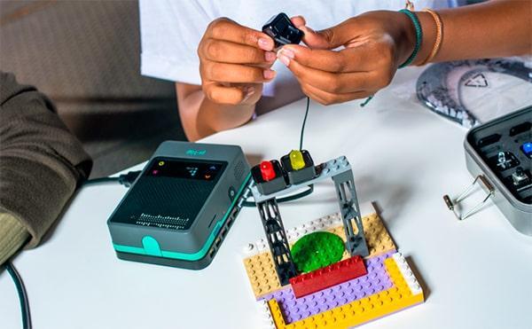 Trabajando con sensores en piezas de LEGO con pi-top [4]