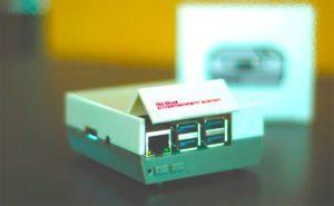 Raspberry Pi en una carcasa retro con forma de Nintendo NES