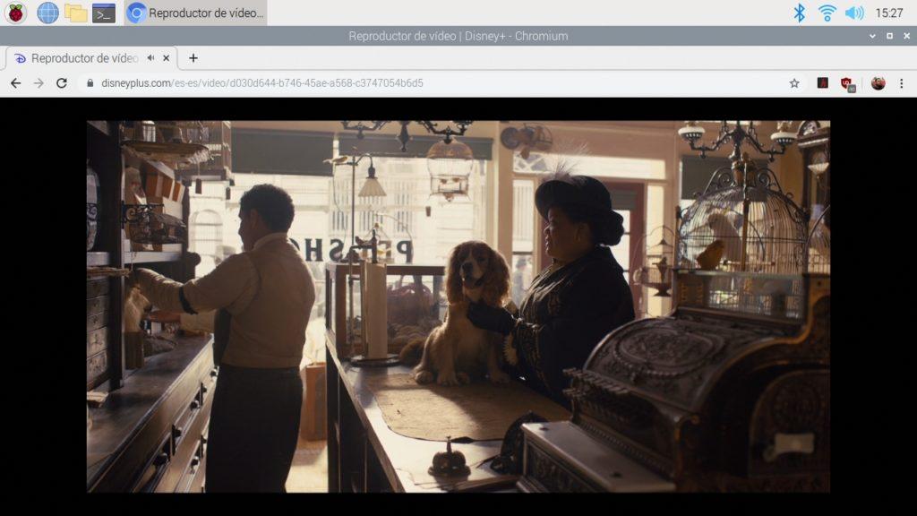 Imagen de La dama y el vagabundo de Disney+ reproduciendose en una Raspberry Pi