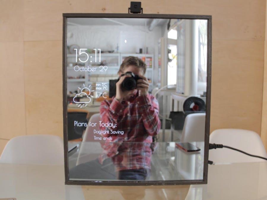 Magic Mirror funcionando con una Raspberry Pi